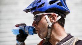 El agua no es suficiente para hidratarnos cuando hacemos deporte