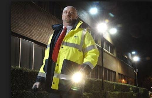 guardia-seguridad-turno-noche.jpg