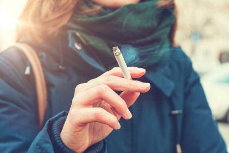 Causas faringitis cronica fumar