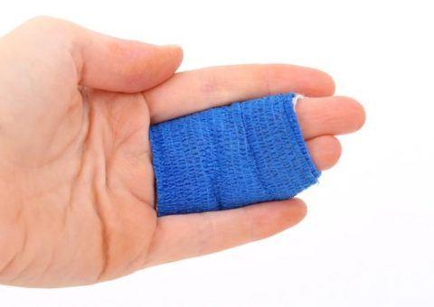 que-es-la-blastoestimulina-dedos-vendados