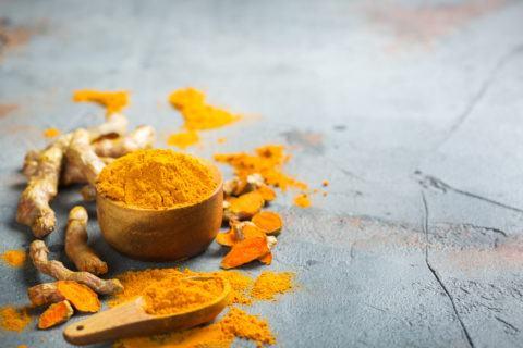 Mejores remedios naturales para bajar colesterol curcuma