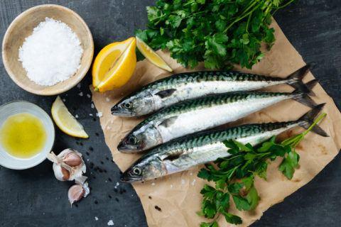 Mejores remedios naturales para bajar colesterol pescado azul